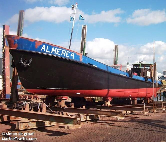 New bunker barges for Thames |